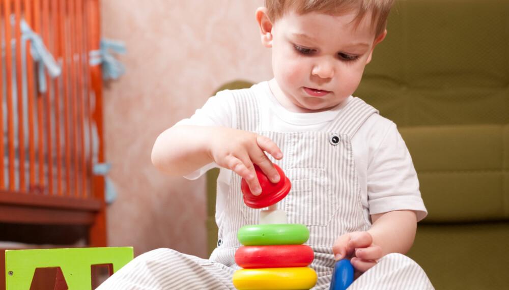 MILJØGIFTER: Produkter som barn omgir seg med kan inneholde miljøgifter.