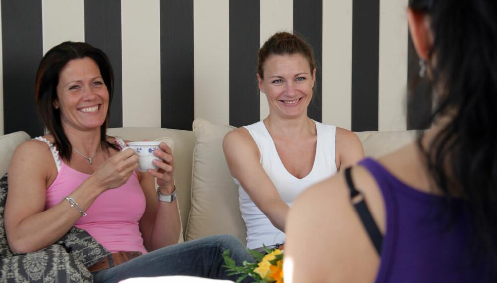 DU KAN FÅ NYE VENNER SOM VOKSEN: Vi gir småbarnsmødre fire tips til hvordan nye vennskap kan oppstå. Men du må gjøre en innsats selv også.