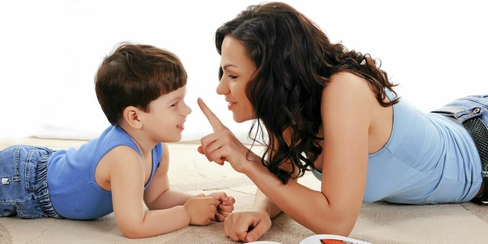 KOMMUNIKASJON: - Skill mellom person og handling, er ekspertens råd.