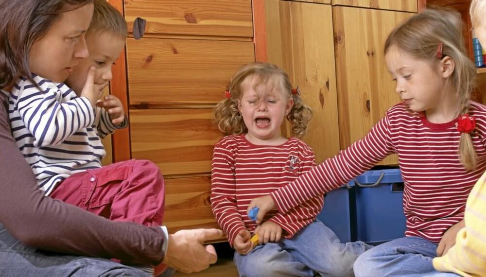 RASERIANFALL: Trassalderen er en naturlig del av barnets utvikling. Men ikke alltid like lett å takle for foreldrene.