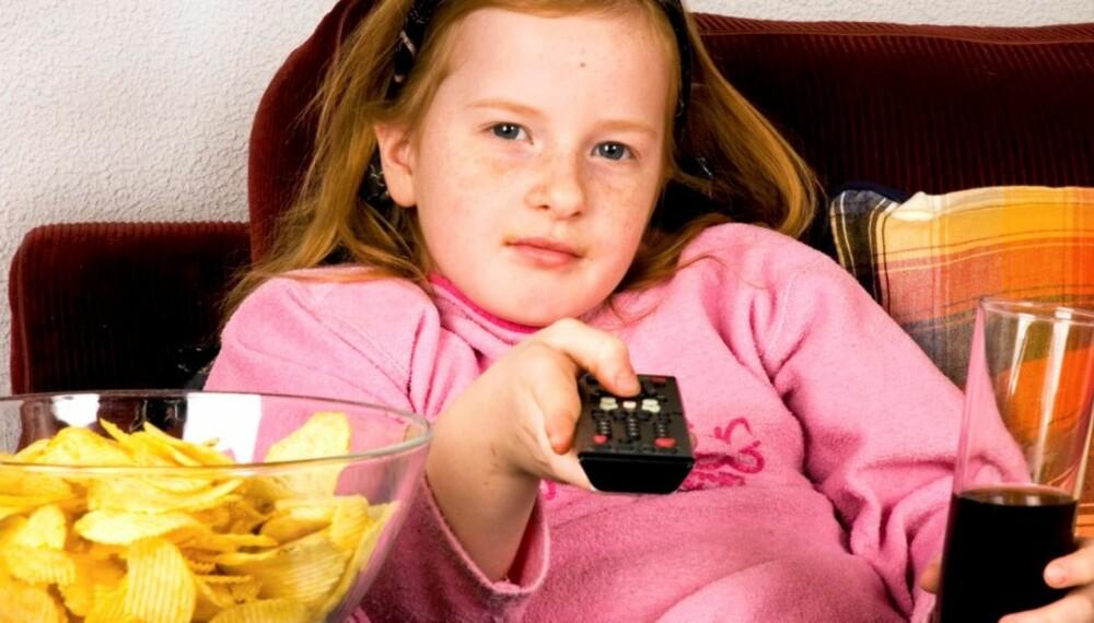MURES INNE: En undersøkelse tyder på at foreldrene må ta noe av skylden for at barn leker mindre utendørs.