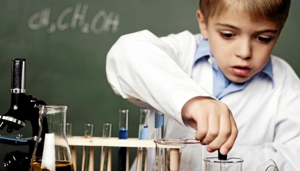 SMARTE BARN: Barnets hjerne utvikler seg særlig mye de to første årene. Da kan kostholdet ha mye å si.