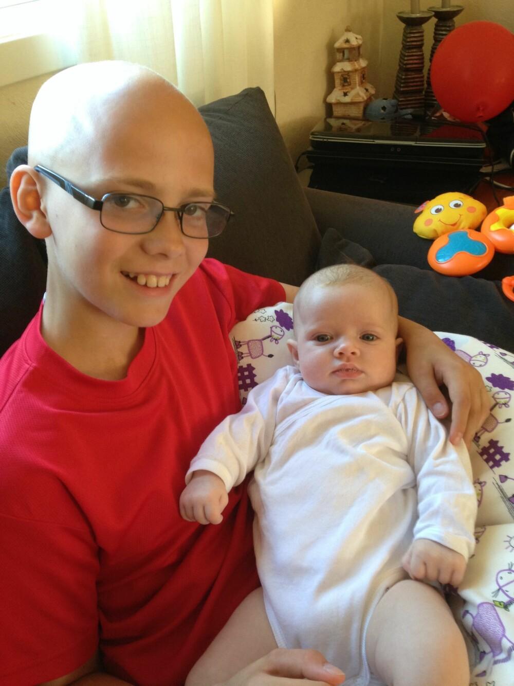 TAKLET DET BRA: Petter Jensen taklet det fint da han mistet håret. Familien tror det har mye å gjøre med hvor åpen han valgte å være.