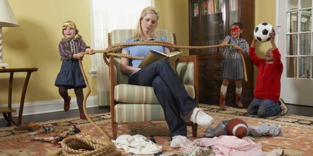 BARNA BESTEMMER: Hjelper du barna med alt hjemme, og lar barna legge føringene i hverdagen kan du risikere å få late barn. Noen foreldre må øve seg på å tåle å se på at barnet tukler og strever uten å overta for fort.