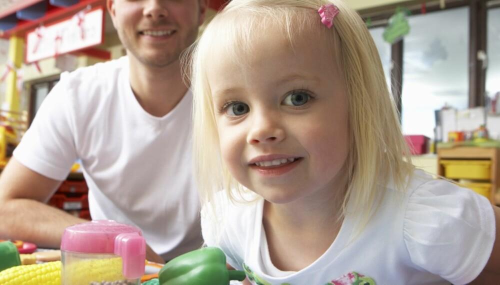 BARNEHAGESTART: Den trygge tiden hjemme med barnet er over, og det mest dyrebare i livet ditt skal begynne i barnehagen. For foreldrene kan det være minst like tøft for barna.