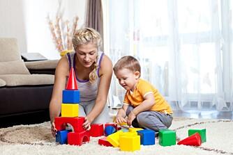 ET KVARTER ER NOK: Alle barn har godt av å leke med foreldrene innimellom. Men ikke hele tiden. - 15 minutter aktiv lek med barna i løpet av en dag er nok, mener Stein Erik Ulvund.