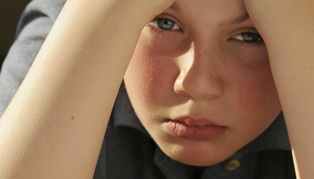 SMERTE: Før behandlet man ikke barn for nakke-og ryggplager. Nå er det vanlig.