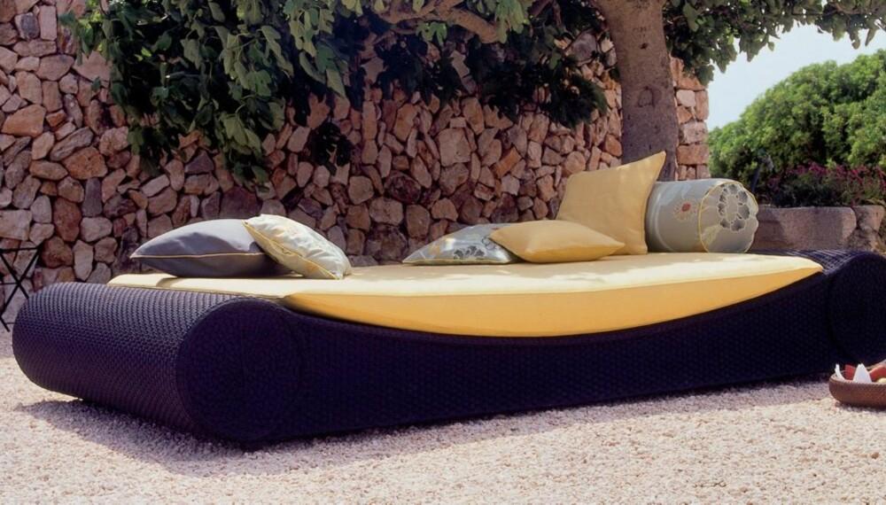UTEMØBLER: Disse møblene tåler å stå ute hele sommersesongen.