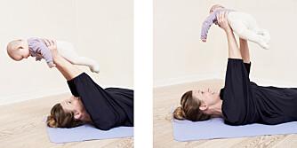 TRENER ARMER OG MAGE: Babyen er en liten vektstang når du utfører denne øvelsen.