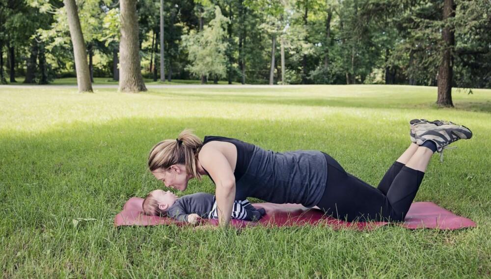 DELTE MAGEMUSKLER: Både livmor og muskler bruker tid på å trekke seg sammen igjen etter svangerskapet.