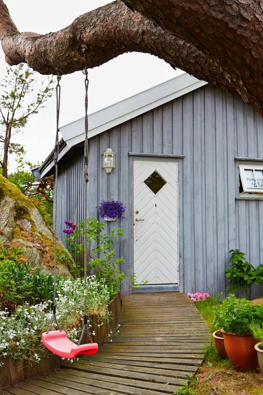 NYE TIDER: En ny snurredo har erstattet den gamle utedoen og er plassert i annekset som ligger i bakkant av hytta.