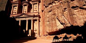 SKATTKAMMER: Al Khazneh, Skattkammeret, ligger i byen Petra i Jordan og har vært innspillingssted for en av Indiana Jones-filmene.
