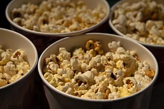 FIBERRIK: Popcorn er en type snacks som faktisk inneholder fiber. ILLUSTRASJONSFOTO: Colourbox