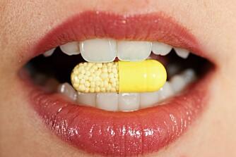 SVAKE TENNER: Det er ikke kun søtsaker som skader tennene, også medisiner kan gjøre dem svakere.