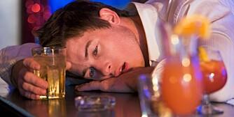 TOLERANSE: Jo mer du tåler, dess større er risikoen for å havne i uføret.. De med høyt toleransenivå trenger mer alkohol for å bli fulle. Da er det fort gjort å drikke mer, noe som øker risikoen for å bli avhengig.