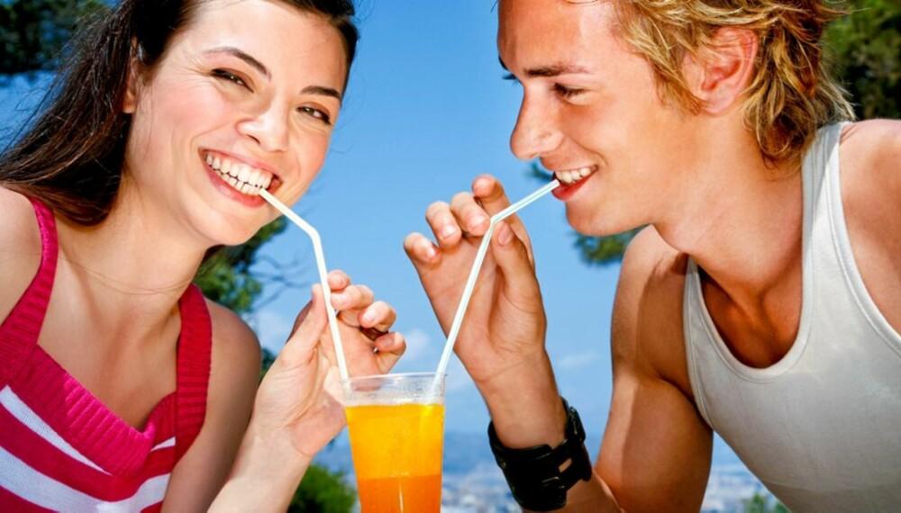 FARGERIKT OG GODT: Du kan gjerne legge inn et glass juice om dagen, og la det utgjøre én av de to anbefalte daglige fruktporsjonene.