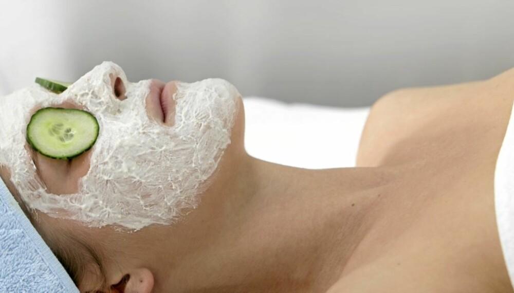 PLEI DEG SELV: Lag din egen ansiktsmaske dersom du ikke tar deg råd til å oppsøke en hudpleieklinikk.