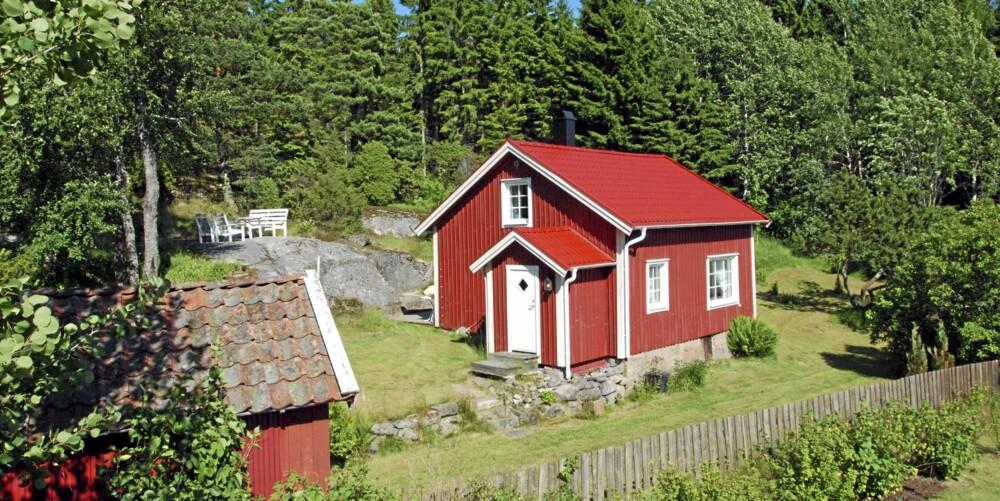 TIL SALGS: Gånehed 3, Tanumshede. Pris: 475 000 svenske kroner. Antall rom 3. Boareal 52 kvm. Tomt 1150 kvm. Byggår 1900.