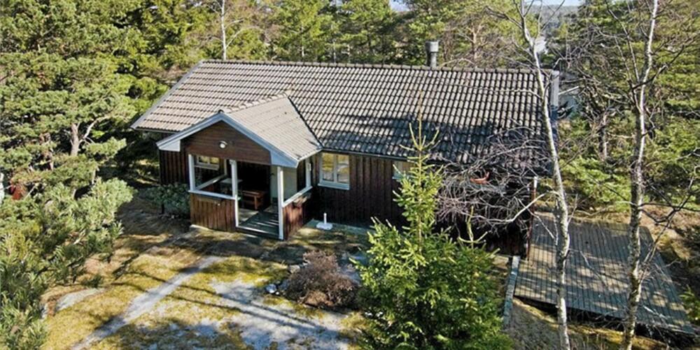 TIL SALGS: Krossnäsvägen 46, Överby, Tanum. Pris: 1 695 000  svenske kroner. Antall rom 3. Boareal: 63. Tomteareal: 1 442 kvm. Byggeår 1976.
