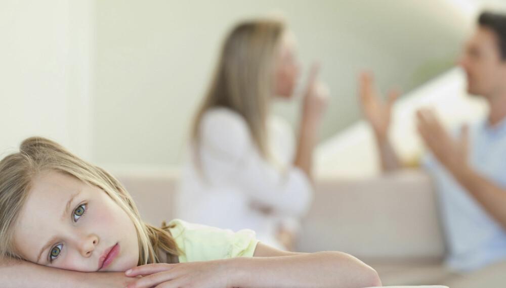IKKE FARLIG: Barn trenger å lære konflikter og konflikthåndtering. Det er derfor ikke så farlig om barna dine opplever at du og partneren krangler av og til, mener samlivsekspertene.