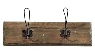 RUSTIKK: Knagger er et must på vaskerommet. Disse rustikke kommer fra Bolina.