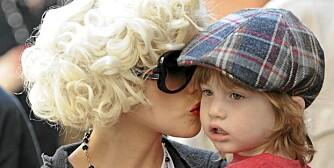 POPULÆRE NAVN:  Popstjerne Christina Aguilera har gitt sønnen navnet Max, et navn mange liker og som er på vei inn også i Norge.