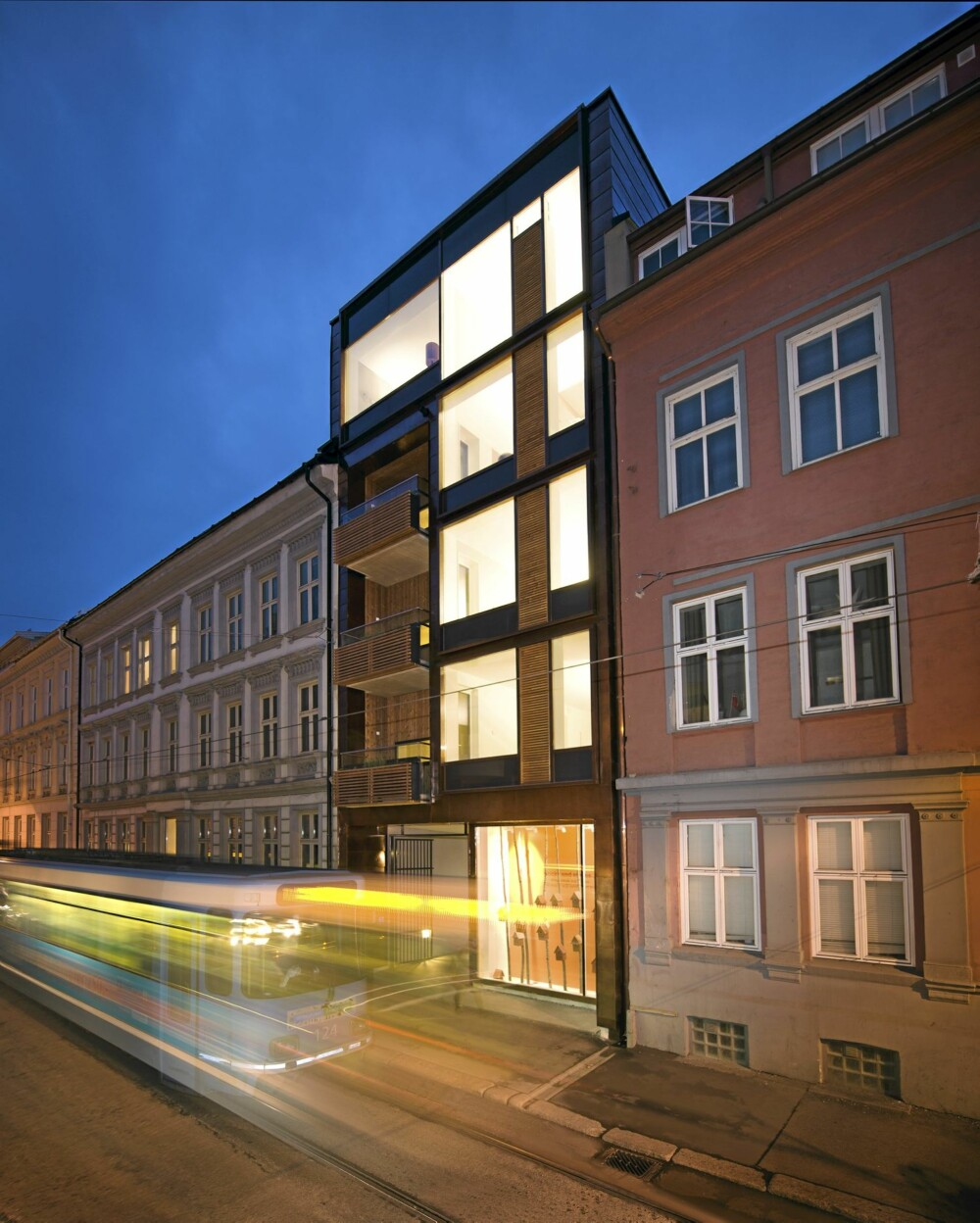 FÅ BOLIGER. I Oslo øker boligprisene blant annet på grunn av befolkningsvekst og få boliger. Inneklemte hus kan være én vei å gå i møte med tilflyttingen