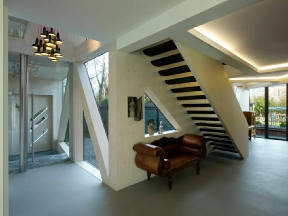 OPP EN TRAPP: En ny trapp lenker samme etasjene i huset.