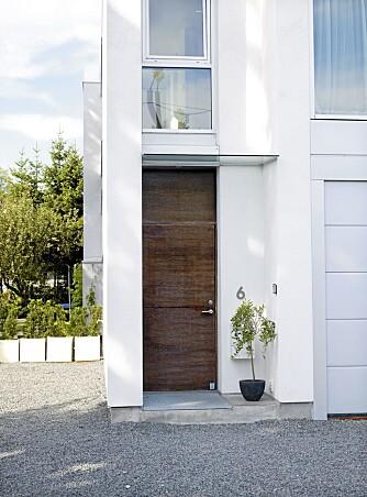 HUS I BOKS. Den arkitekttegnede boligen på Høvik er 250 kvm. Det ble ferdigstilt i 2005.
