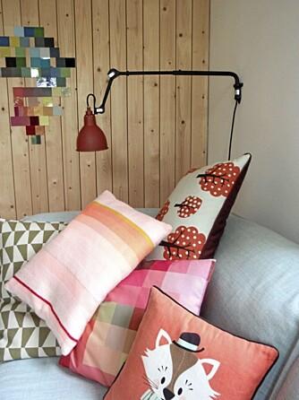 FARGEKLATTER: Små fargeklatter frisker opp interiøret