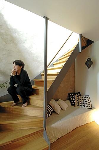 SOLID: Den åpne, men like vel stødige trappen ble laget av Prosjektservice, Sandefjord.