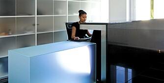 LYSSATT: Glassflater med skiftende lys er sentralt i interiøret hos Boston Consulting Group, Kristin Jarmund Arkitekter.