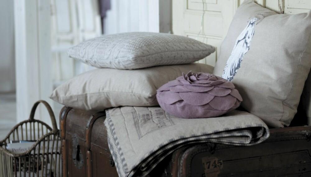 LANDLIG INTERIØR PÅ NETTET: Rustikt og komfortabelt interiør skal det være. Nettbutikker har alt du trenger for å skape stilen hjemme.