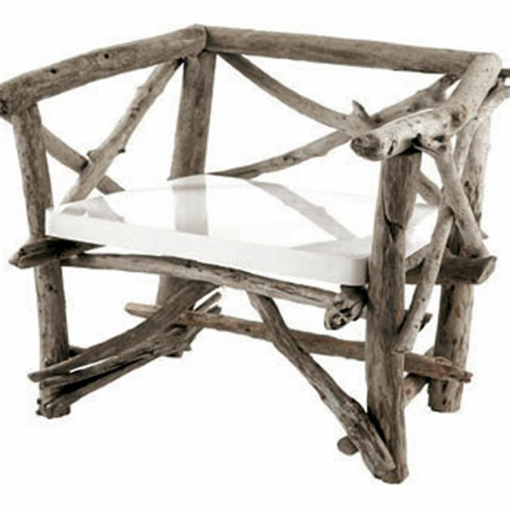 STLIG STOL: Rustikk stol i av drivved fra Bleu nature