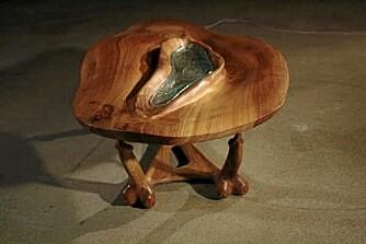FOR DEN UREDDE: Du skal nok være mer opptatt av erotikk enn design om du velger bordet Origin i stua.
