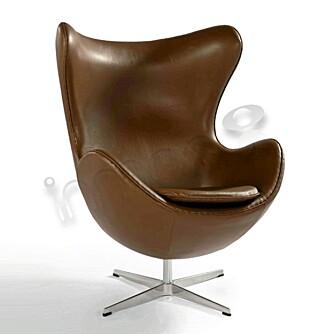 KOPI: Ganske nøyaktig lik Arne Jacobsens Egg, men kun en kopi, fra inmod.com.