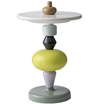 SHUFFLE TABLE: Leken design som interiørstylist Ingvild Hemma har sansen for.