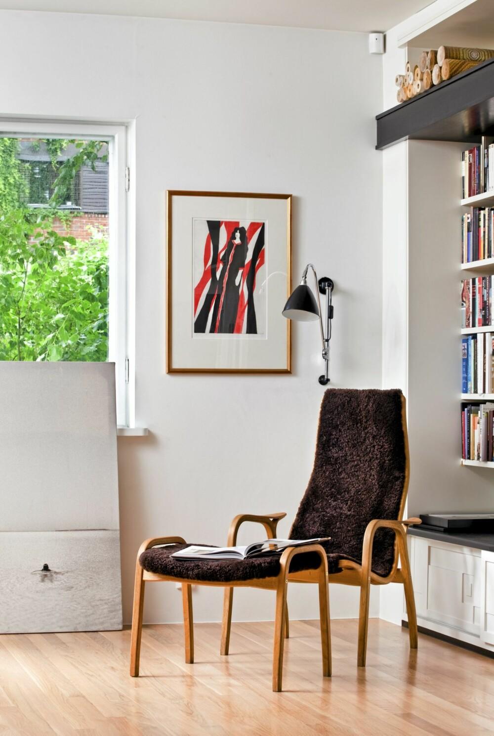 LETT Å LIKE: Klassiske designmøbler som dette er både komfortable å sitte i og et syn i seg selv - og de passer i renlinjete interiører.