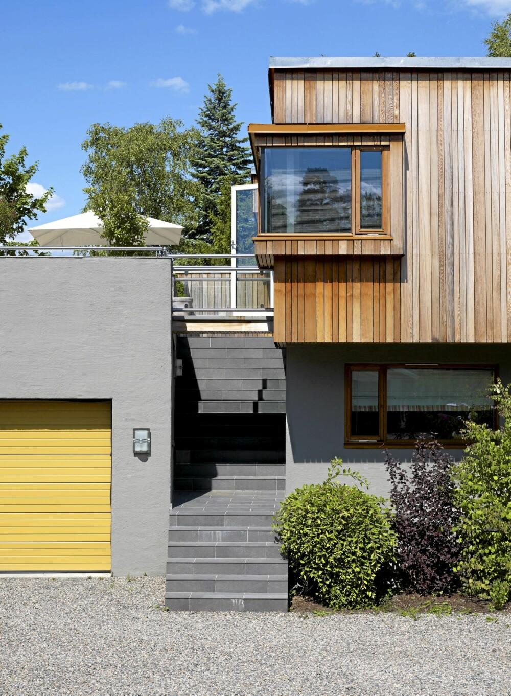 BINDER SAMMEN: Boligen er på 200 kvm og har en stor terrasse på garasjetaket. Sivilarkitekt MNAL Kristian Vårvik tegnet en bro som binder bygningene sammen.