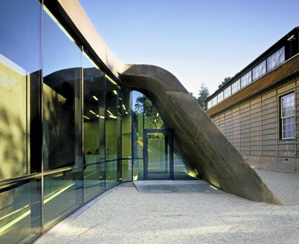 FORNYENDE: Bygningen er formmessig inspirerende og teknisk fornyende, mener den danske kunstkritikeren Flemming Skude.