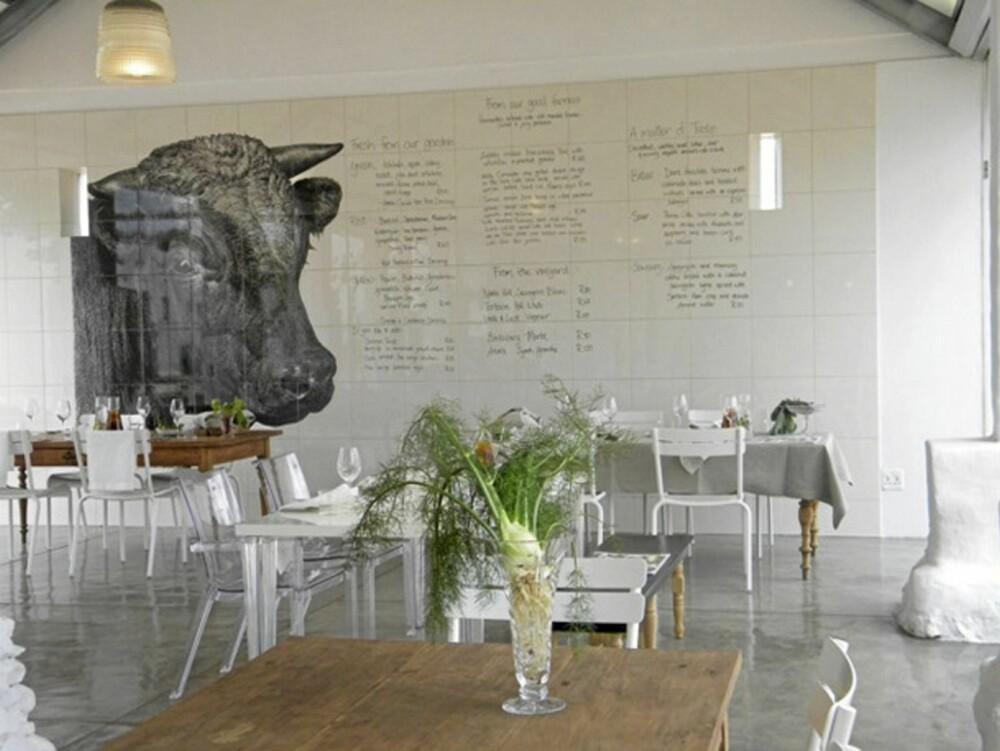 RESTAURANT: Restauranten Babel har en gang vært et fjøs. Maten på menyen består av ferske råvarer fra gården og området rundt.