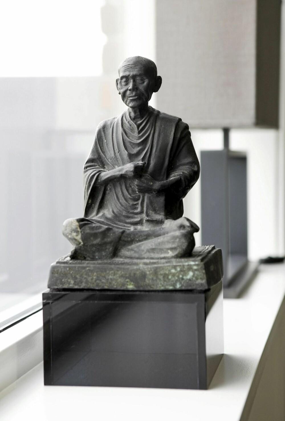 FAVORITT: Denne spesielle munken ble kjøpt på et bruktmarked i Thailand.