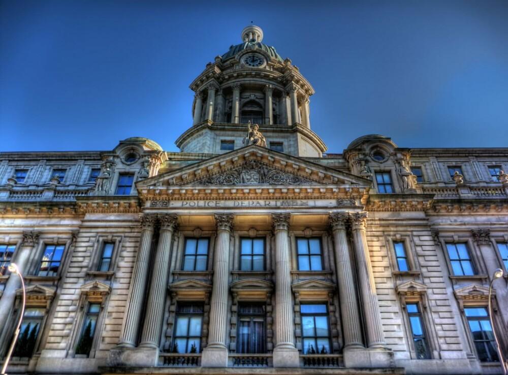IMPONERENDE: Fasaden på bygget fra 1905 er vernet.
