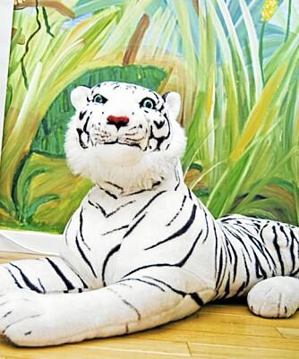 Milla elsker ville dyr, så rommet er selvfølgelig fylt opp med løver, tigre og elefanter.