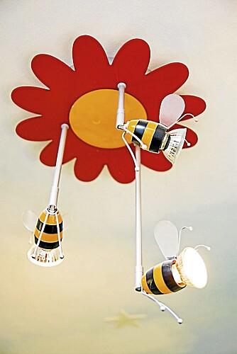 Festlig lampe, som også er veldig smart med de justerbare spottene.