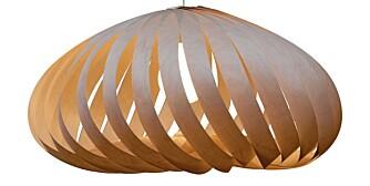 FINER: TR9 lampe i bjørkefiner, design Tom Rossau, kr 6636, Ruths Design.
