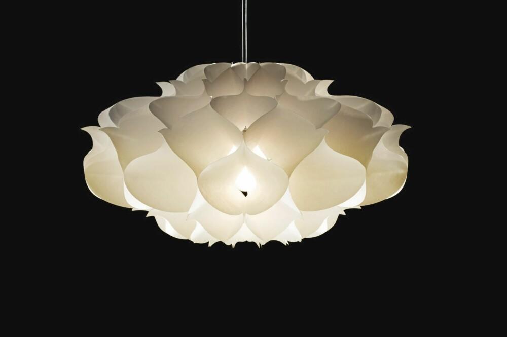 KOMMER FLATPAKKET: Lampen Phrena fra Artecnica.