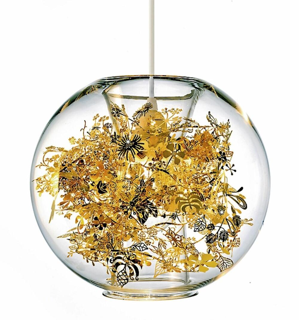 JA; TAKK: Tord Bontjes Globe Tangle lampe er som et smykke. Selges hos Designdelicatessen.dk.