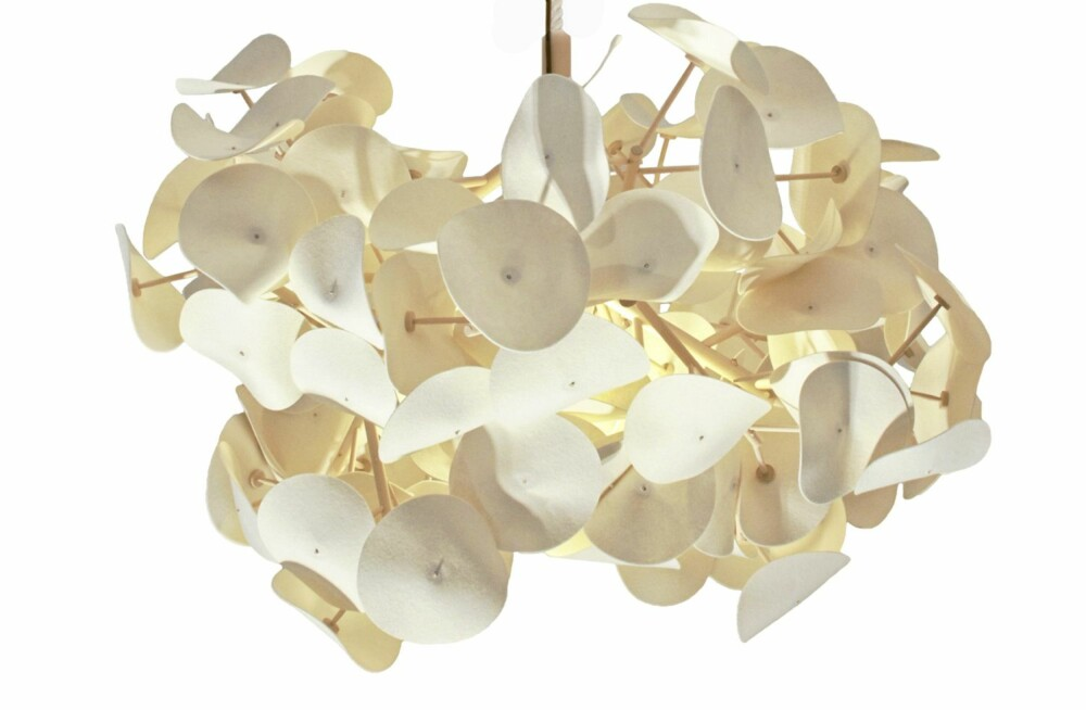 Leaf Lamp pendel fra Green Furniture Sweden, kr 10132.