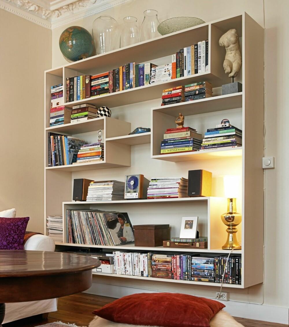 UNIK: Hjemmelagd seksjon som gir plass til gjenstander av ulik størrelse.